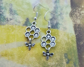 Bee Earrings, Honeycomb Earrings, Insect Earrings, Honey Bee Jewellery, Cute Earrings, Nature Jewelry, Bee Jewellery, Honey Bee Gift, Nature