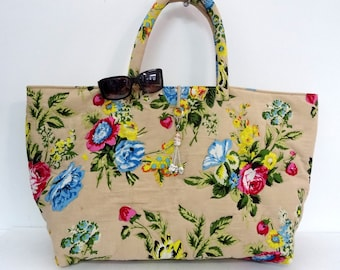 Maxi large bag with handles made of cotton printed shalimar bege with door key/bag charm