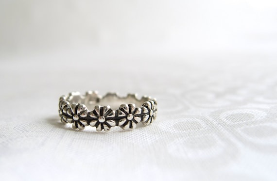 Daisy Ring I Pick You Engraved Flower Ring Silver Daisy