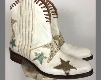 Fantastic chic Cowboy boots, Leather boots, Country boots, White boots, Boho chic.