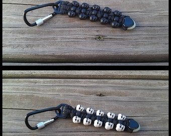 "Handmade 4.5"" Colored Skull 550 Paracord Black Pony Bead Keychain Dangles Aluminum Screw Closed Carabiner Aerowave Glow In The Dark Cord End"