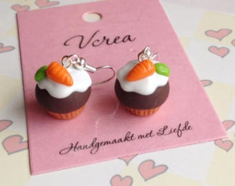 Vanilla Scented Carrot Cupcake Earrings