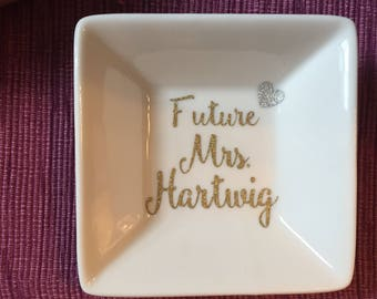 Personalized Ring Dish | Engagement Ring Dish | Engagement Gift | Wedding Gift | Ring Holder | Gift for Bride | Future Mrs | Jewelry Holder