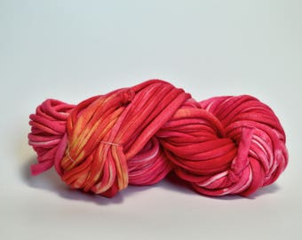 Speckled Red T Shirt Yarn, Red T-Shirt Yarn, Recycled Tshirt Yarn, Fair Trade Cotton Yarn