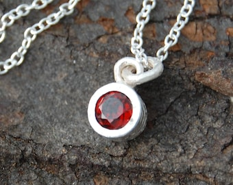 Silver Gemstone Necklace, Round Pendant, January Birthstone Necklace, Garnet Necklace, 925 Silver Necklace, Red Gemstone, Organic Necklace