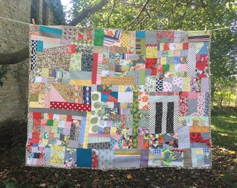 ready to ship -- beautiful vintage styled scrap quilt --- extra large throw or full sized bed -- charming