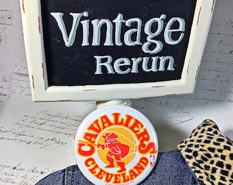 Vintage Cleveland Cavaliers pinback button pin sports retro basketball NBA ohio