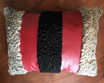 Cushion 100% recycled Persian fur and leather