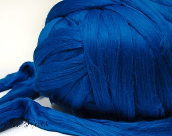 WEDGEWOOD - Merino Wool roving combed top, spinning, felting, roving - 4 oz