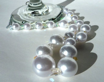 Faux Pearl Toggle Necklace