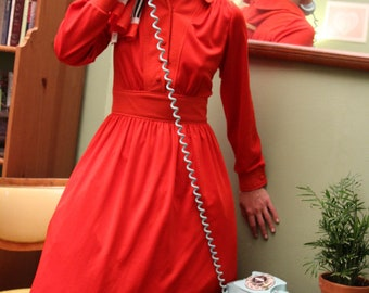 1970's Vintage Bright Red Collared Dress