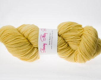 Golden Sunrise - Stunning Superwash Fingering Weight - 100% Superwash Merino - 100 g - 475 yds