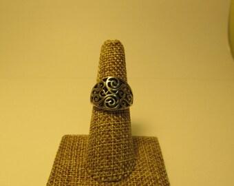 Vintage Sterling Silver Swirl Design Ring W #674