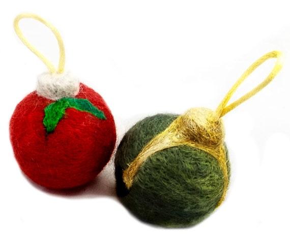 Needle Felting ornament kit: wool, mini batts, green, Red, white snow snowflake Winter, Tree Ornament, Christmas Holiday Colors, DIY gift