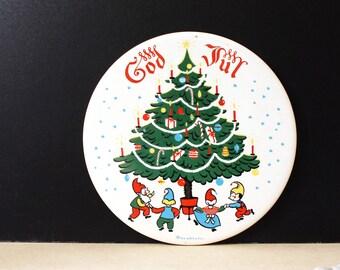 God Jul. Vintage Berggren tile. Christmas gnomes.