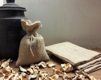 BURLAP FAVOR BAGS - Set of 25, 50 and 75 Rustic wedding favor bags, gift bags for weddings