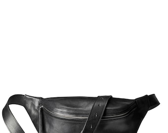 Oversized fanny pack 'Niki' black vegetable tanned leather with nickel zipper
