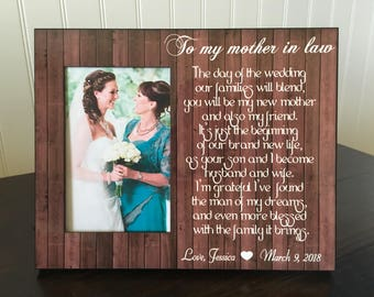 Mother in law personalized picture frame / parents in law wedding picture frame  / parents of the groom gift / The day of the wedding