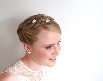 2 daisy bobby pins hair pins Spring, Summer, Wedding