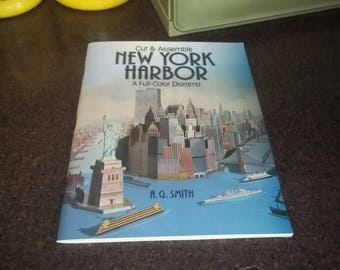 Cut and Assemble New York Harbor : A Full-Color Diorama by A. G. Smith (1986, Paperback) - UNUSED