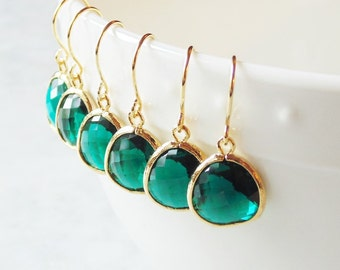 Gift Emerald earrings Emerald drop earrings Green earrings Green dangle earrings Bridesmaid earrings Bridal earrings Green drop earrings