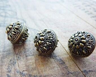 Metal Bead ornate Bead Filigree Beads Antiqued Gold Beads Metal Bead (2) IG422
