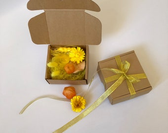 "Gift packaging box 10x10 cm 4x4"" Gift wrapping idea Box for a gift with lid. Small craft paper box Dried Flowers gift filling Personalized"
