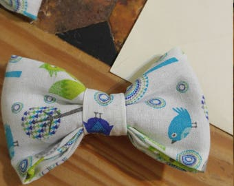 Blue and green bird/tree bowtie for boys