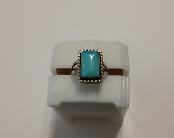 R 110 sterling and turquoise square vintage ring approx. size 5 1/4