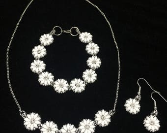 Daisy chain jewellery set