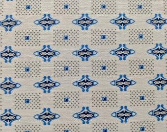 "36"" W x 3 yards L Blue Geo Figures on White"