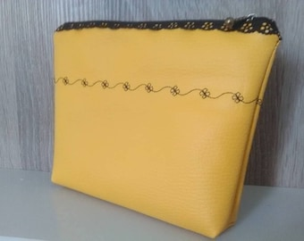 faux leather make-up pouch