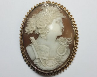 Vintage 10K Gold Carved Cameo Pendant Brooch