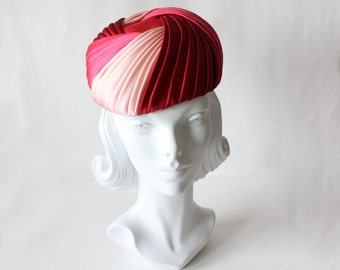 1960s Hat / Vintage Multicolor Pink Pleated Hat
