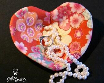 Pocket emptier, heart-shaped jewelry holder made with japanese yukata fabric