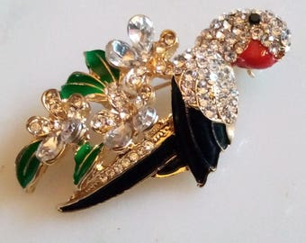 RHINESTONE BIRD BROOCH! Gorgeous Figural Pin/Accessory. Sparkling Crystals. Fabulously Detailed & Realistically Enameled. Gold Tone Setting.