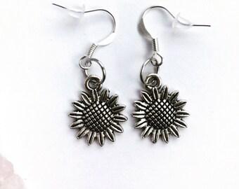 The sunflower simple earrings