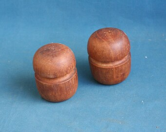 vintage wood Salt and pepper Shakers 1960's - 1970's Solid wood