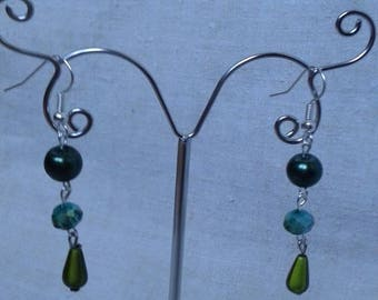 """boucles d'oreilles """"trio de perles vertes"""""""