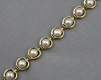 "Elegant 5.5mm Cultured White Pearl Bracelet,7.5""-14K Yellow Gold , SKU B-1129"