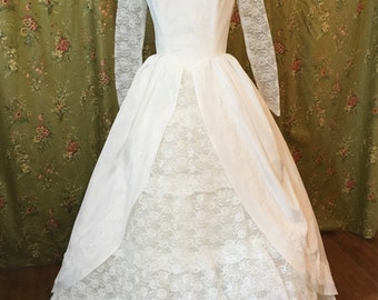Vintage 50s 60s White Wedding Dress Chantilly Lace Union Made