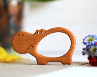 Big Hippo Shape Beech Pendent , Hand Carving Animal Teether, Baby Wood Teether