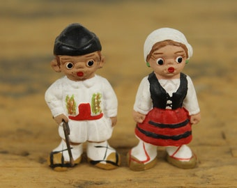 Vintage Pair Spanish Mud People Dolls, Man Woman Couple Married, Cake Topper, Spain Collectible Souvenir Terra Cotta Mud Clay Hand Painted