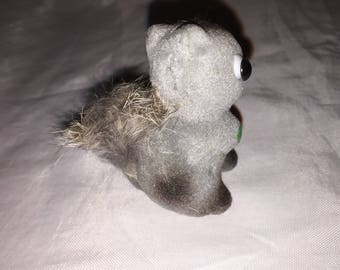 Cool VINTAGE    SMALL Fuzzy Crafting Gray SQUIRREL