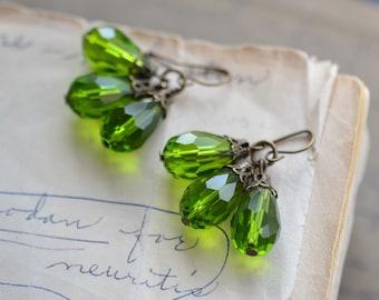Green Antique Earrings / Teardrop Crystal Glass Beads / Brass / Neo Vintage Jewelry