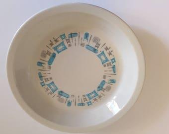 Royal (USA) Blue Heaven China Vintage Pie Plate