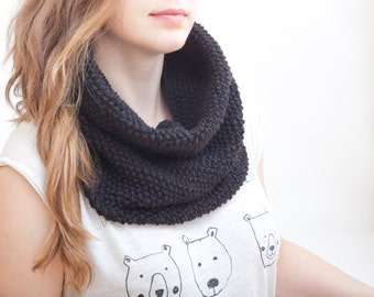 Black Knit Scarf, Infinity Scarf, Loop Scarf, Chunky Scarf, collar scarf, Perfect Gift, Valentines Gift, Black Scarf, Christmas Gifts