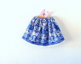 Girl summer skirt printed with blue and white flowers, elastic waist, white lace, sizes 2T, 4T, 6 or 8, ideal flower girl for a wedding