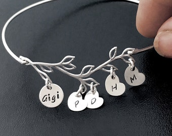 Personalized Gigi Bracelet, Personalized Gigi Gift, Gigi Jewelry, Birthday Gift for Gigi, Custom Family Jewelry, Family Bracelet Bangle