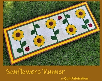 Sunflowers Runner, Ladybugs, Table Decor, Summer Decor, Quilt Pattern, Yellow, Green, Flowers, Table Runner, Wall Hanging, Table Decorations